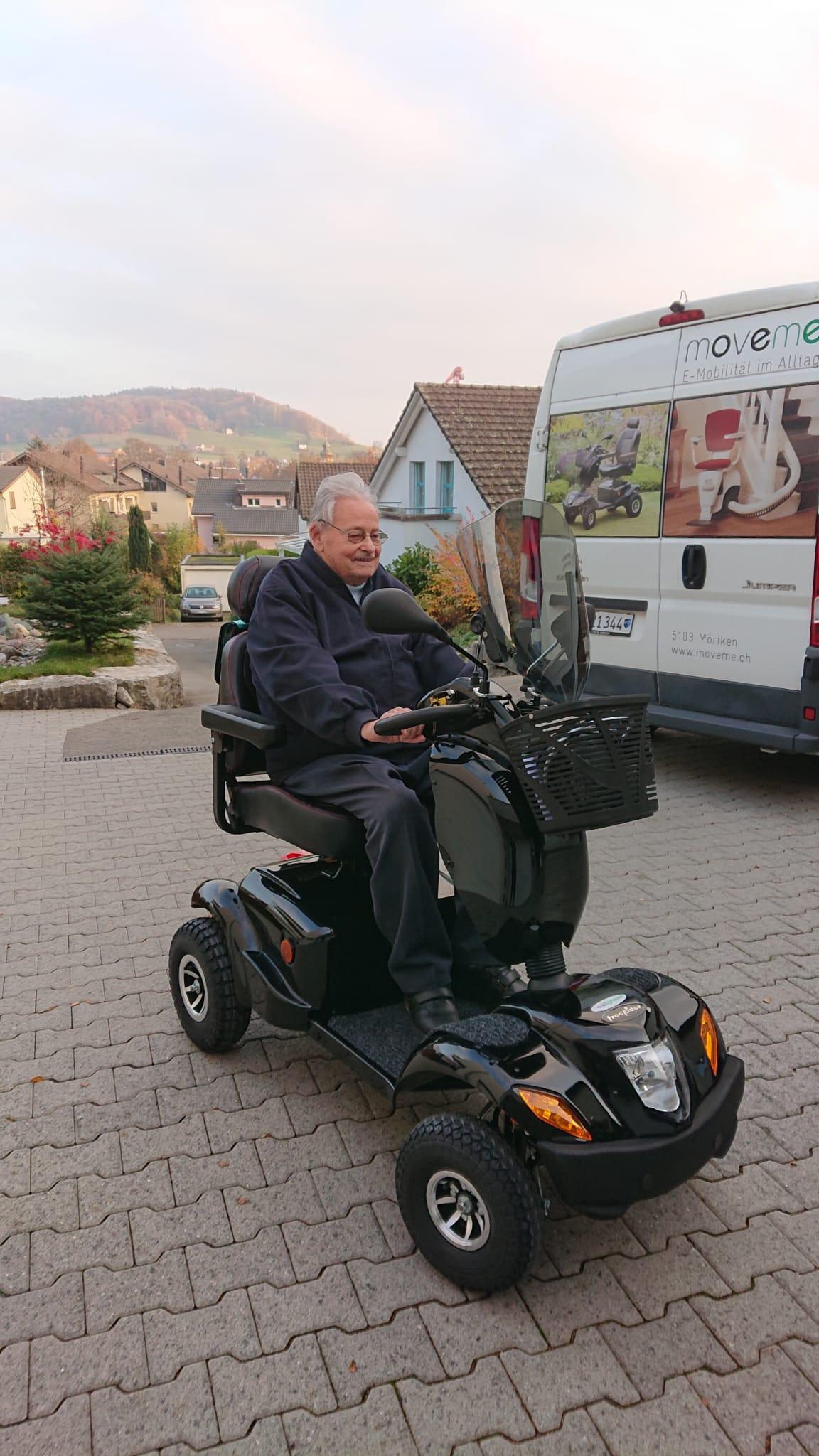 Seniorenmobil move Highlander - das geländetaugliche Elektromobil