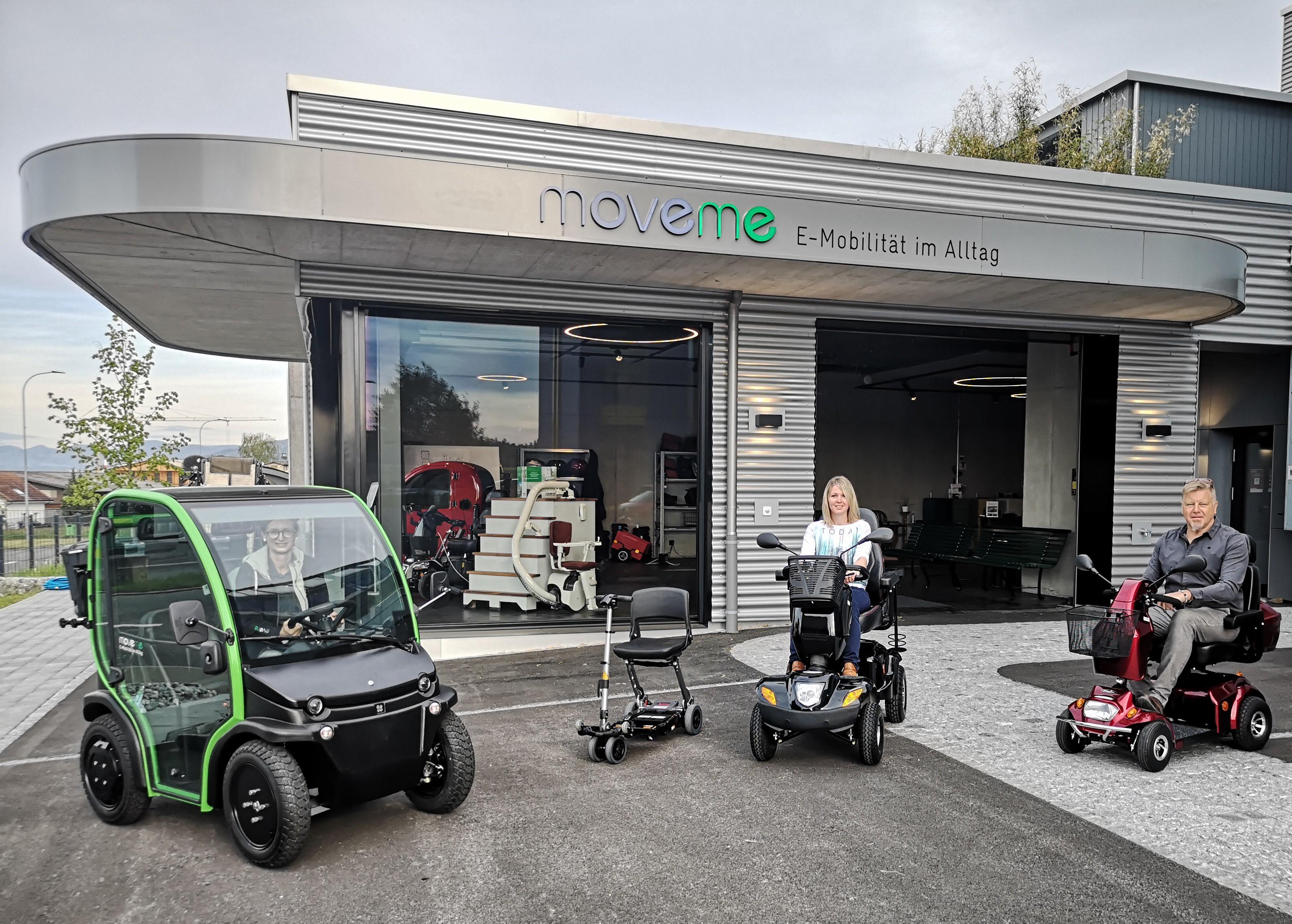 Grosse und moderne Ausstellung in Möriken. Im grossen Aussenbereich können Sie die Elektromobile gleich probe fahren. Seniorenmobile, Treppenlifte und Homelifte. Besuchen Sie uns im Showroom in Möriken